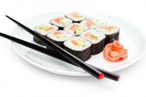 08_maki-sushi_114279775_optimized
